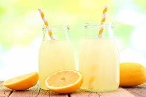 ۸  نوشیدنی که به سلامت بدن ما کمک میکند