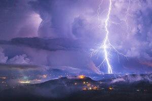 ثبت رکورد طولانی ترین رعد و برق جهان