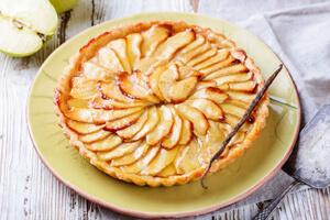 طرز تهیه پای سیب فرانسوی، یک دسر سبک و خوشمزه