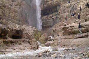 سفر به درهگاهان؛ آبشاری در دل کویر