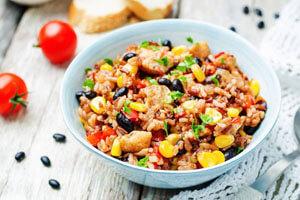 طرز تهیه برنج مکزیکی؛ غذایی جذاب و گیاهی