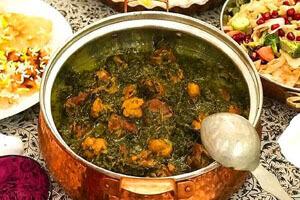 طرز تهیه خورش آلو اسفناج؛ طعمی متفاوت و لذیذ