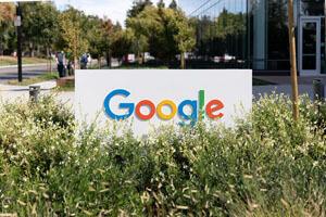 گوگل برای پیشرفت سرویسهایش از نرمافزارهای رقیب جاسوسی میکند