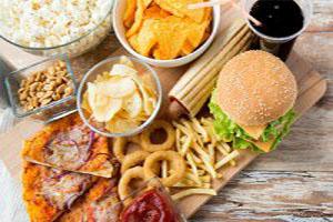 """از مصرف غذاهای """"فوقِ فرآوری شده"""" پرهیز کنید"""