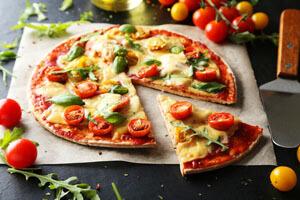 هر پیتزایی ایتالیایی نیست! تفاوتهای پیتزا آمریکایی و ایتالیایی را بخوانید