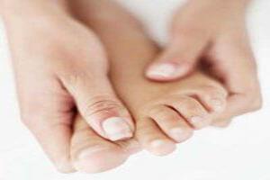 راهکارهایی برای درمان ورم پا در بارداری