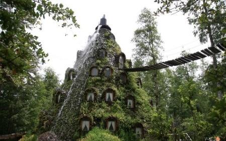 https://dl.greenbeautymag.com/2021/01/lamontana-magica-hotel-02.jpg