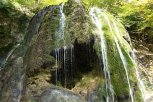 آبشار سمبی یکی از شگفتیهای طبیعت + عکس