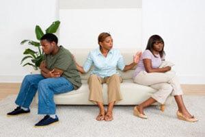 بررسی دلایل مخالفت خانواده پسر با ازدواج