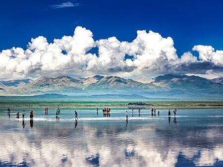 آشنایی با دریاچه نمک چاکا ،زیباترین دریاچه در چین