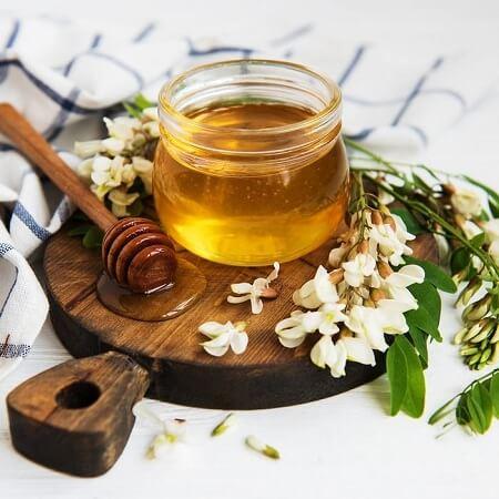 https://dl.greenbeautymag.com/2021/07/honey-therapy-02.jpg